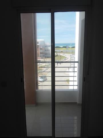 bel appartement meuble pied dans l'eau - Tanger - Appartement
