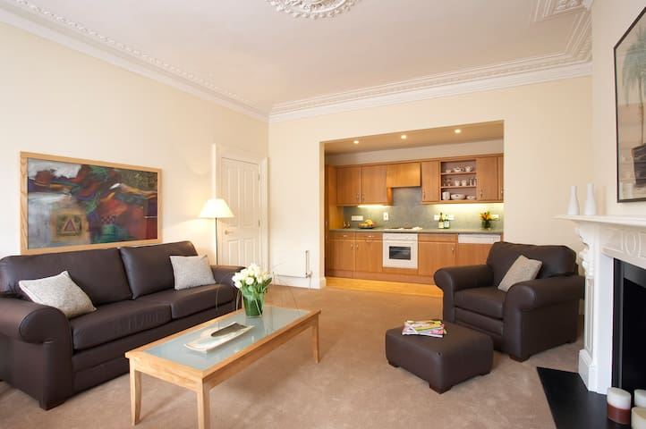 Castle Crescent Two Bedroom Apartment