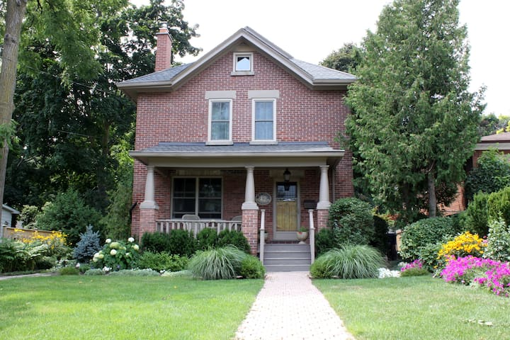Charming Fully Renovated Historic Home