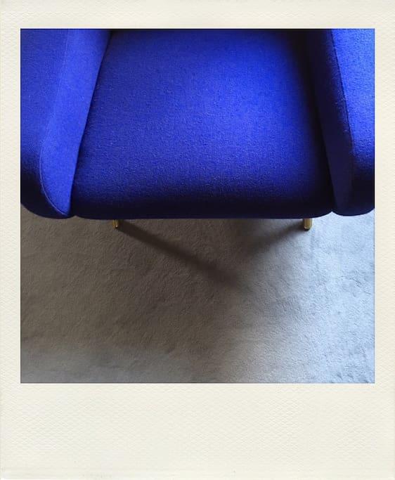 détails des fauteuils borsani