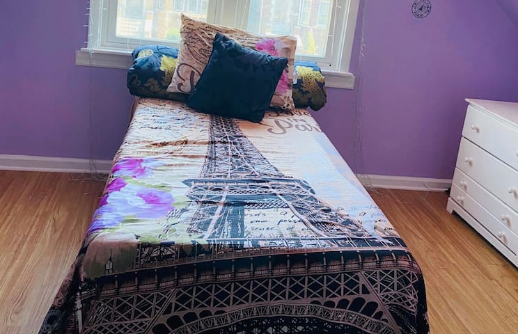 One bedroom near Midway Airport - Purple