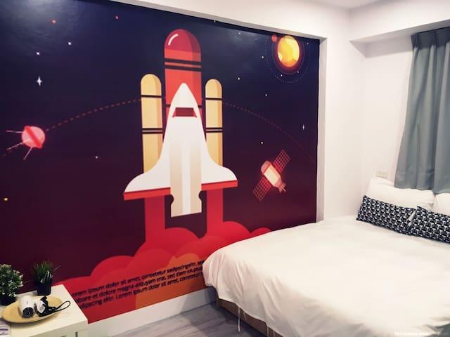 Fengjia hostel 1 min 逢甲住宿雙人房距離1分鐘 double room