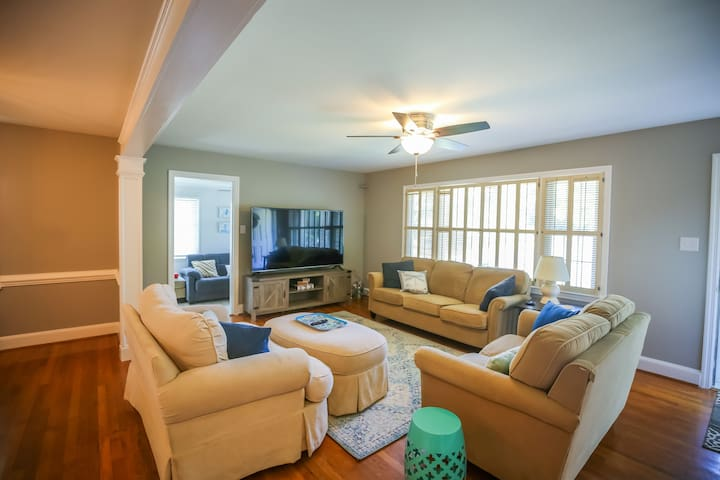 Newly Renovated Lovely Home, Heart of Greensboro
