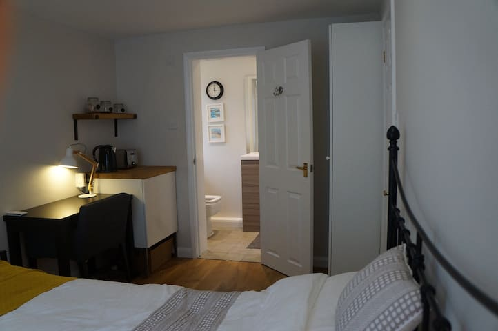 The Annexe room