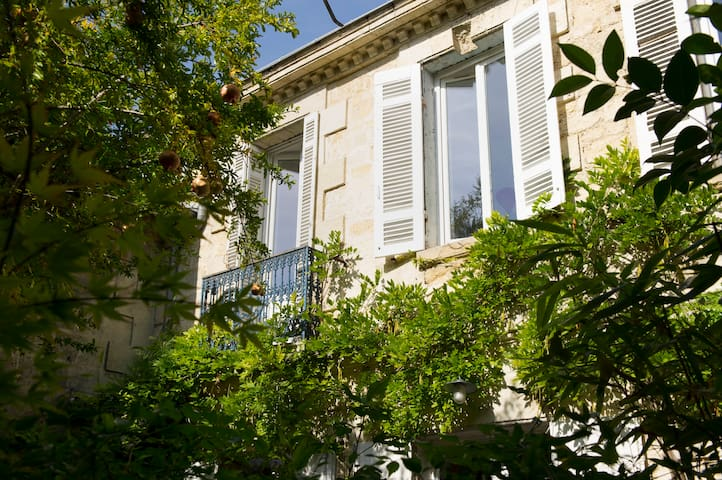 Family House with garden, Bordeaux Chartrons