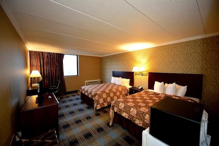 Deluxe Room, Two Queen Beds