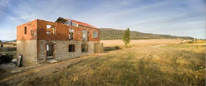 La Ruina Habitada