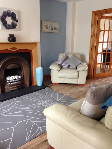 3 Storey Family Friendly House - Portstewart - Hus