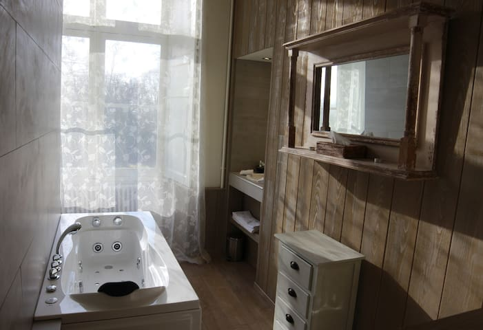 Deluxe Room Watermill or Castle