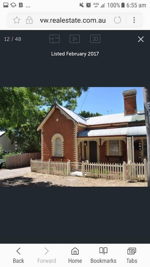 Cosy cottage close to CBD