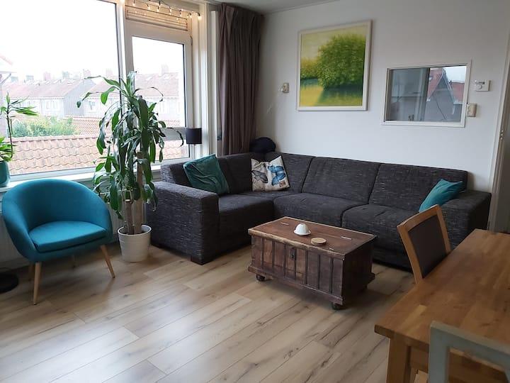 Sfeervol appartement met ergonomische werkplek