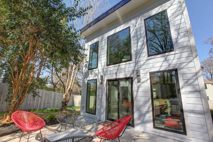 RARE! 2-level Tiny Home Less than 1 Mile to NODA