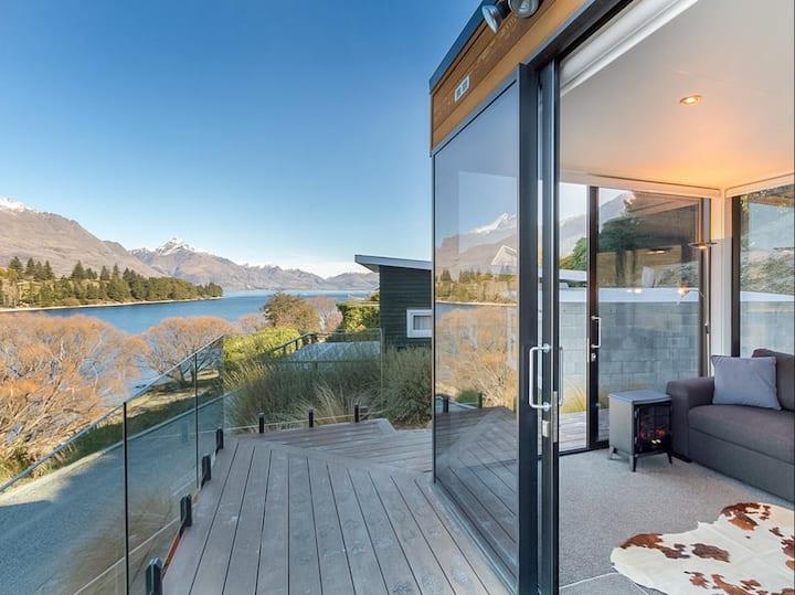 Lakes Edge   1 Bedroom Apt   Stunning Views   WIFI