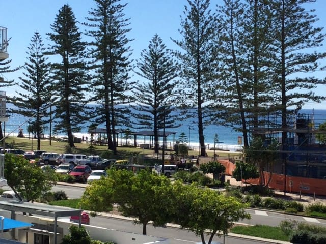 Affordable Ocean Views Unit 455 - Alexandra Headland - Flat