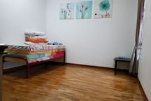 EMPTY SPACE AT SECOND FLOOR, WITH SINGLE MATTRESS ACCORDING TO NUMBER OF GUEST
