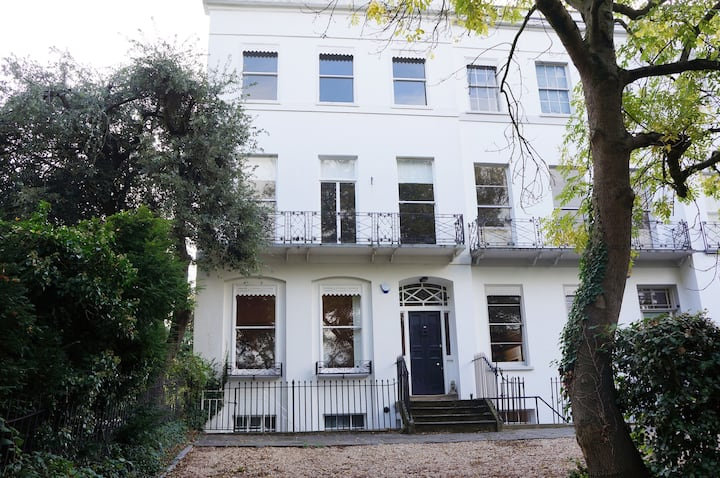 Regency Townhouse with parking