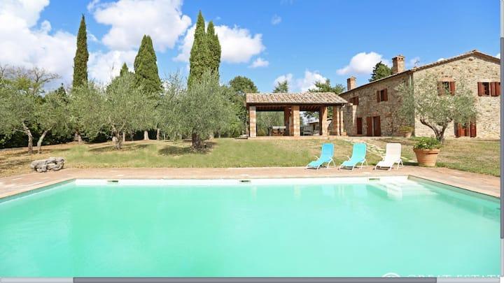 Villa In Pietra a San Casciano de i Bagni
