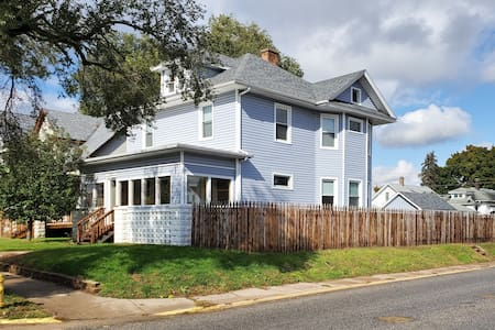Luxury Smart Home 3BR 6BD District RI w/ Pool TBL!