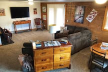 Entertainment Room with 200+ Movies, Board Games, Wall Art, Balcony Access, Theatre Seats, and More!
