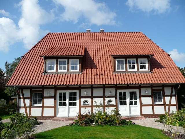 Ferienhaus mit Sauna und Kamin 5 * - Krienke - Hus