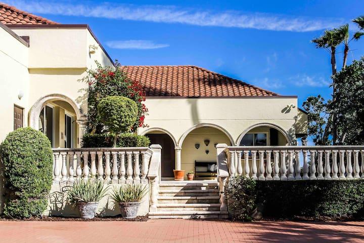 Oceanfront Villa w/ Private Pool, Jacuzzi & Beach