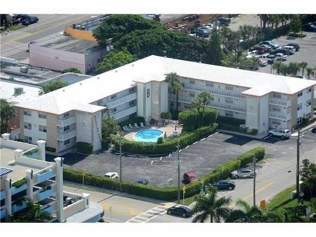 1/1 IN THE HEART OF DEERFIELD BEACH!!! - Deerfield Beach - Apartament