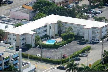 1/1 IN THE HEART OF DEERFIELD BEACH!!! - Deerfield Beach