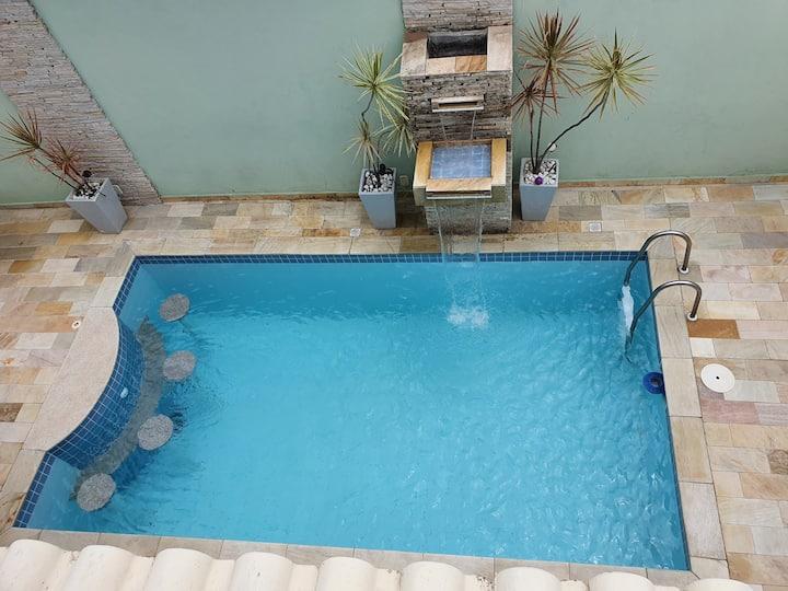 Bela casa c/ piscina 100m da praia de Piratininga