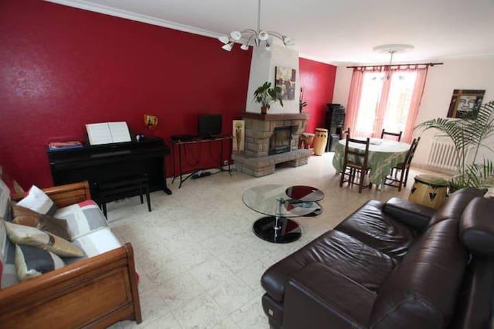 Chambre 43m2 avec en-suite - Coutances - Huis