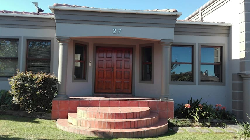27 on Kleinbron Avenue
