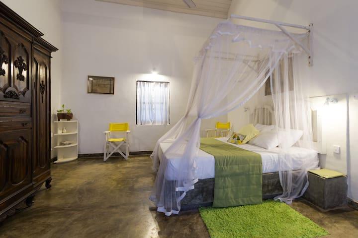 Bungalow 45min from Negombo &Airport-Araliya room