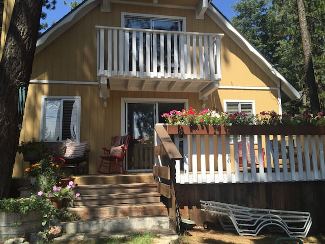 Quiet 1 Bdrm walk to beach & trails - Kings Beach - Lakás