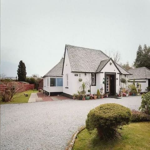 GLENVIEW LUSS LUXURY LOCH LOMOND ACCOMODATION
