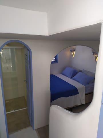 Pequena suite porem com uma cama queen!