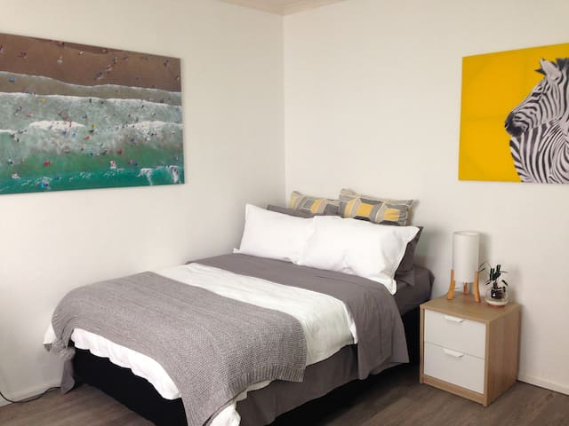 Your own private studio, just steps to the beach. - Bondi Beach - Appartement
