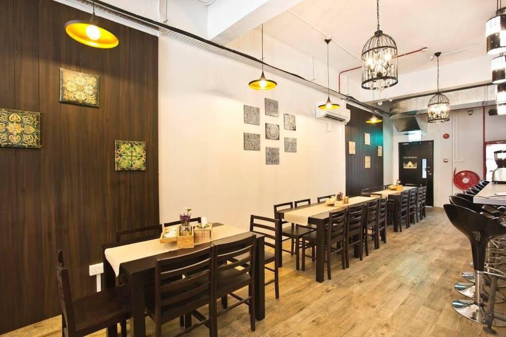 DINING/CAFE AREA