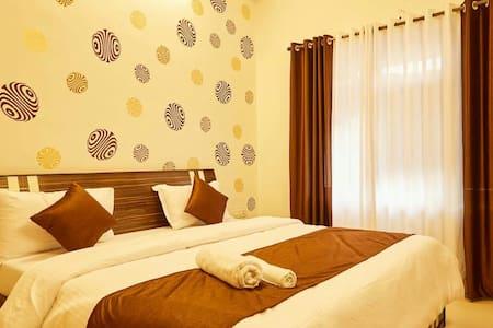 Cozy Rooms in Oshiwara Mumbai - Bombai - Pis