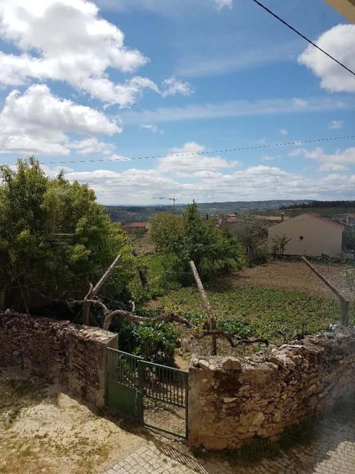 Maison dans un village rural & typique portugais