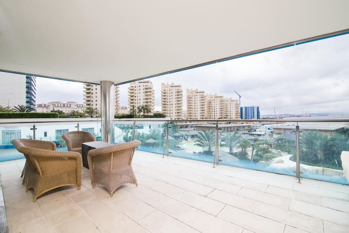 Perfect location with breathtaking views - Gibraltar - Apartment