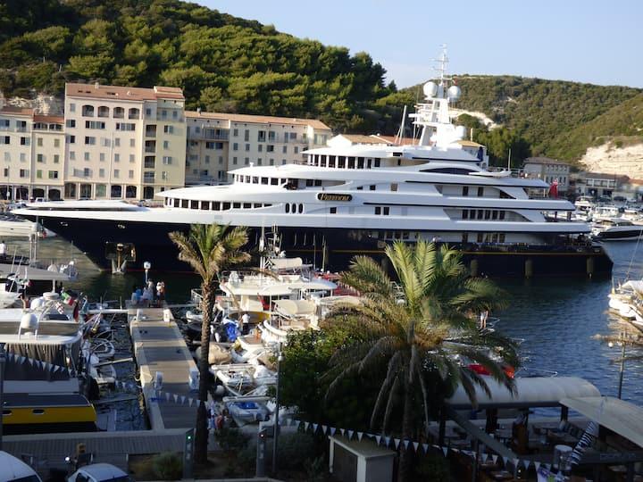 Agréable appartement sur le port de Bonifacio