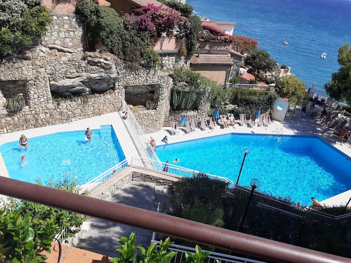 APARTMENT IN VILLA 20M TO SEA. Pool,beach, parking