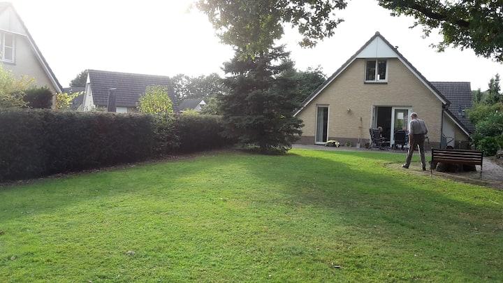 Vrijstaand 4p recreatievilla Mi- Limburg Roermond