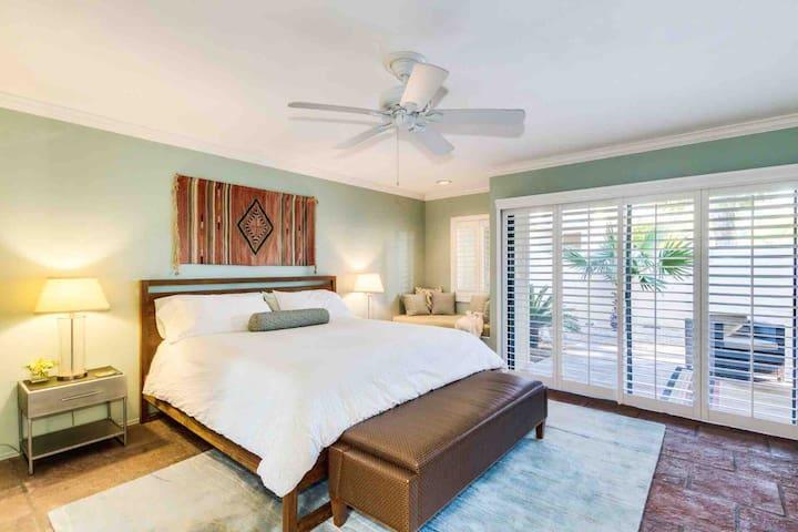 Scottsdale Home ( 3 Week Minimum )