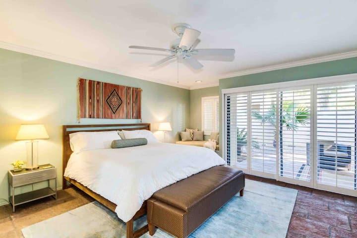Scottsdale Home ( 1 Month Minimum )