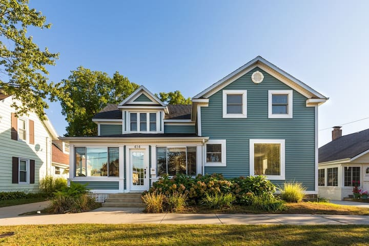 South Haven Hygge House - Great Location