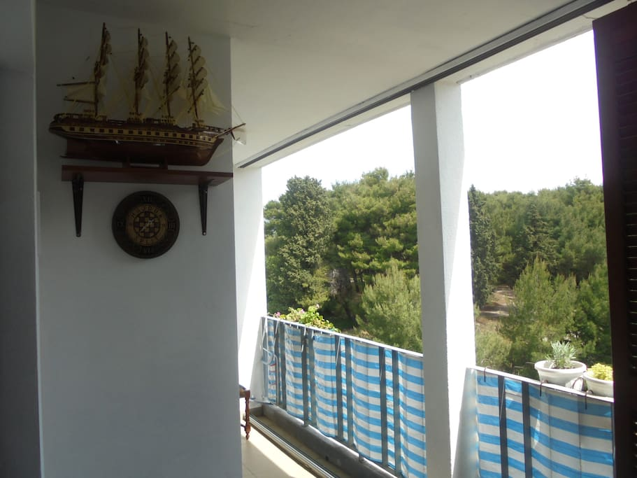 Balcony with view to the park