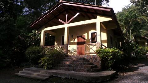 Peaceful Cabin in Altos del Maria