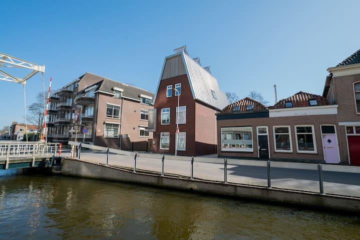 Studio met dakterras in centrum historisch Gouda