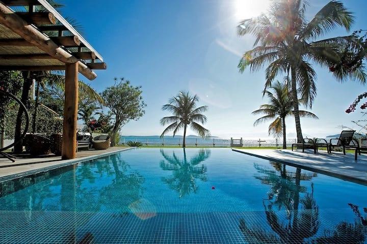Luxury Beachfront Villa @ Beach Manguinhos Buzios
