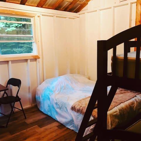 The Squirrel Cabin, a rustic cozy retreat